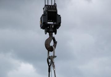 3d LSB and NMCB 5 conduct crane load test