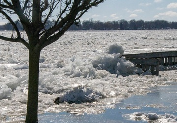 Corps of Engineers assisting US, Canada coast guards easing St Clair River flooding