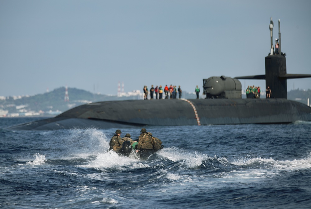 USS Ohio joint operations with Force Recon Marines