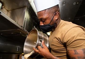 USS Ohio Chef Bakes a Treat