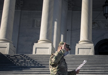 Michigan National Guard Soldier Reenlists on the U.S. Capitol Steps