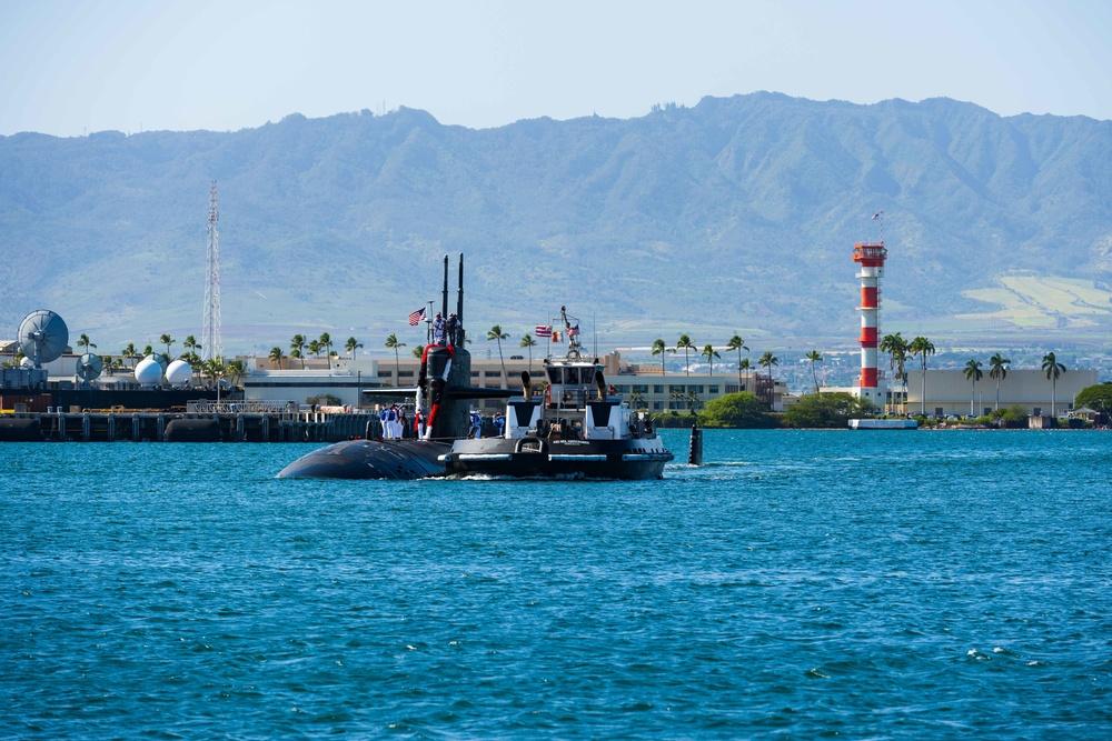 USS Chicago Returns Home
