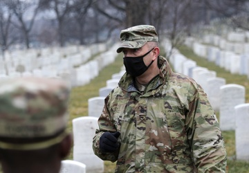 A tour of the honored past: New York National Guard Soldiers pay tribute to state heroes during Arlington National Cemetery visit