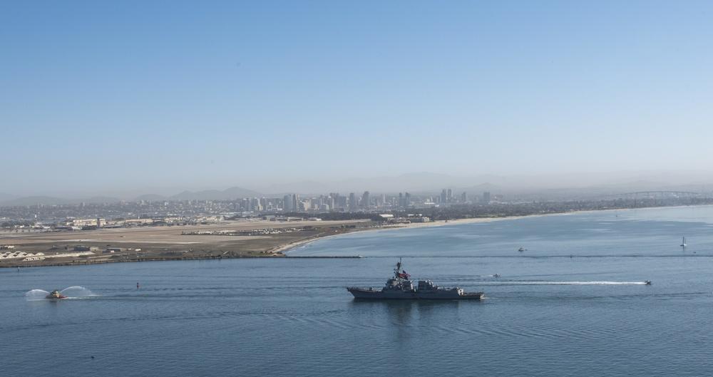 USS Sterett (DDG 104) Returns