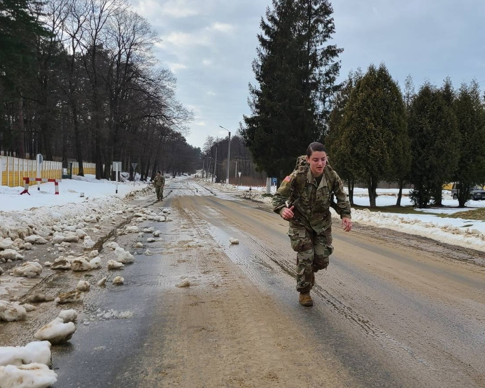 Chicago Soldier earns German Armed Forces Proficiency Badge