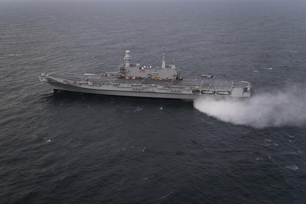 First F-35s land aboard Italian navy ship