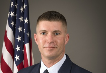 200th RED HORSE member wins Senior NCO of the Year for Ohio and region