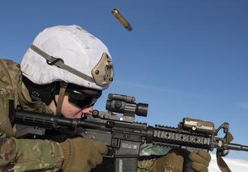 '1 Geronimo' paratroopers hone their winter marksmanship skills at JBER