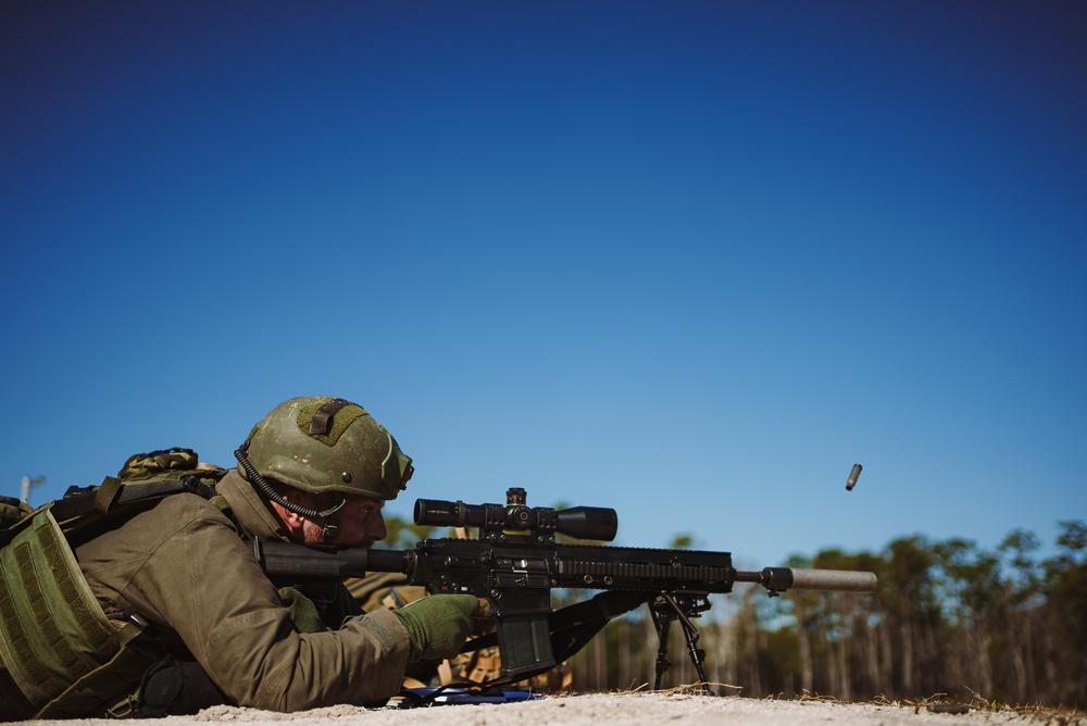 2d Reconnaissance Marines execute live-fire range