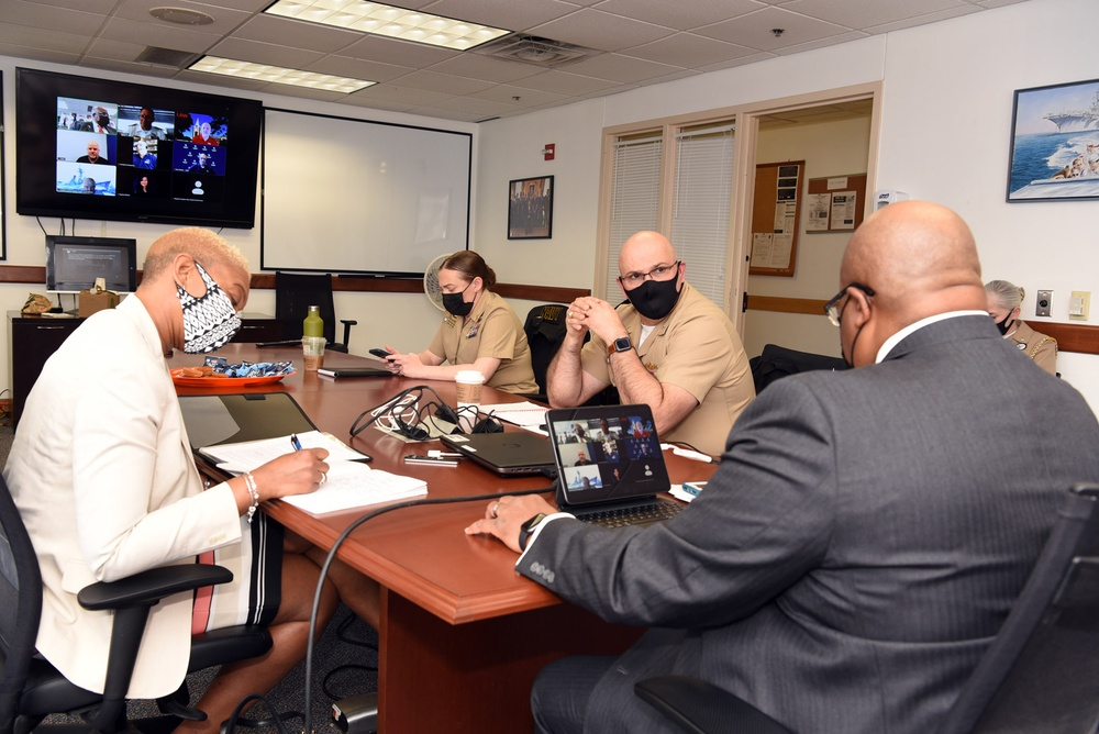 Commander, Navy Recruiting Command attends NTAG San Antonio's Recruiting Assistance Council Meeting