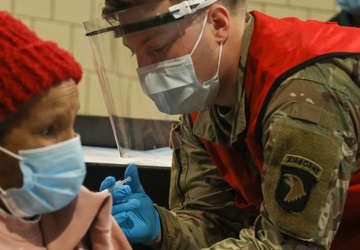 Screaming Eagles administer 100,000th vaccination at Cleveland CVC