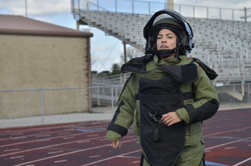 Defusing Danger Soldier sets Guinness World Record