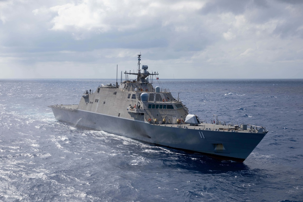 USS Sioux City (LCS 11) transits the Caribbean Sea