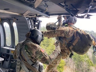 Tenn. National Guard aircrew rescues stroke victim