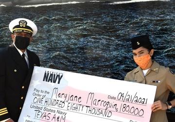Latina presented $180K Navy Scholarship during San Antonio Navy Week