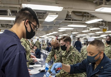 The USO Supports USS America (LHA 6) Sailors