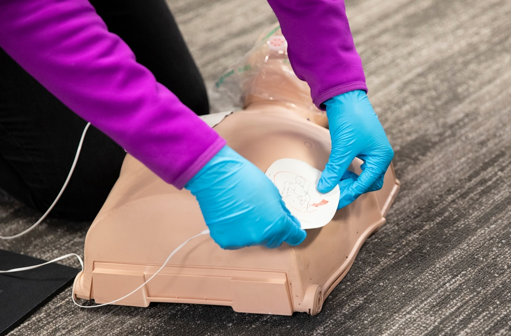 D.C. National Guard Family Readiness Hosts CPR Class for Teens
