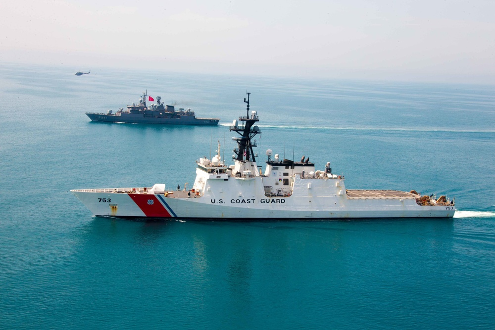 U.S. Coast Guard passing exercise with Turkish navy