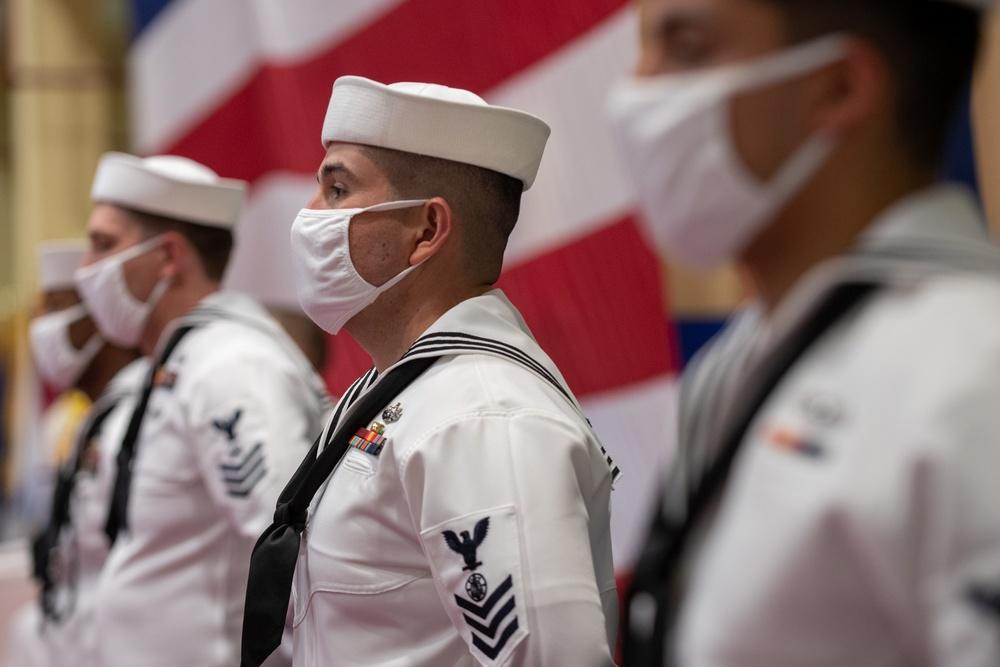 U.S. 5th Fleet Welcomes New Commander