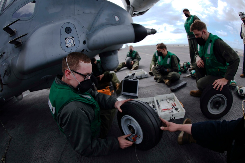 Marines of the 24th MEU conduct routine maintenance