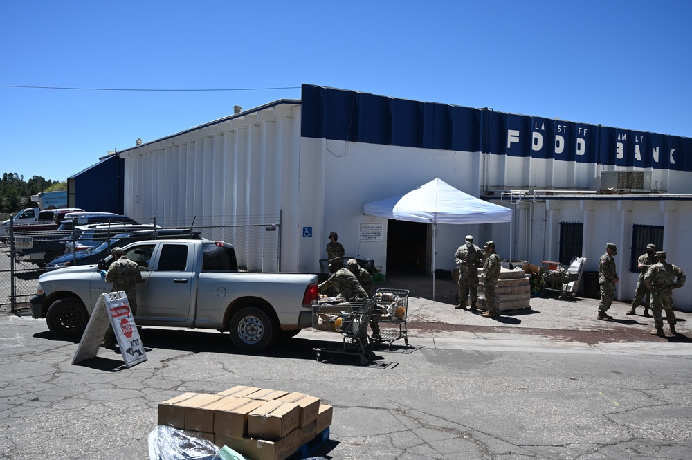 AZNG help out at Flagstaff area vaccine site, food bank, warehouse