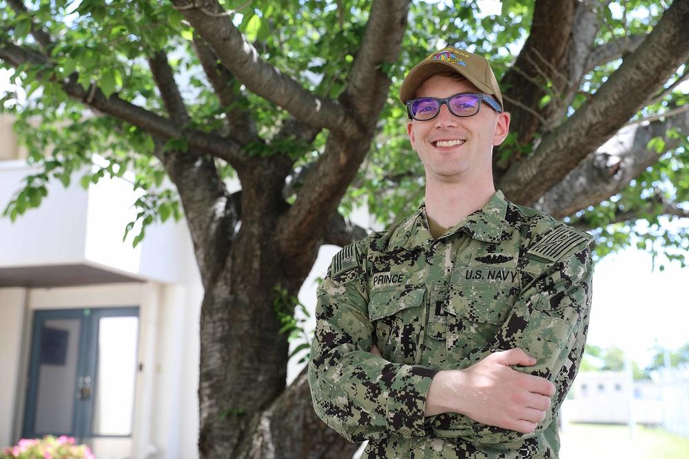 Minneapolis, Minn. Native Serves aboard Submarine Command in Yokosuka, Japan