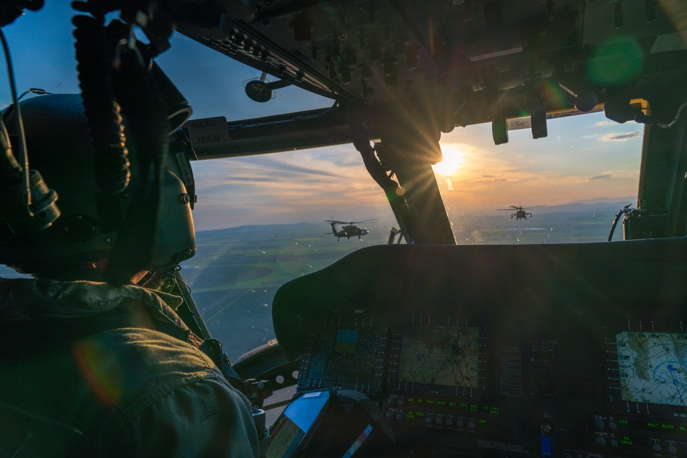 Over the blue waters of the Black Sea: 12th CAB qualifies crews for maritime operations
