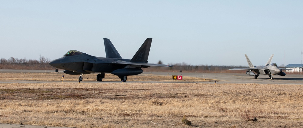 F-22 Raptors land in King Salmon for joint exercise