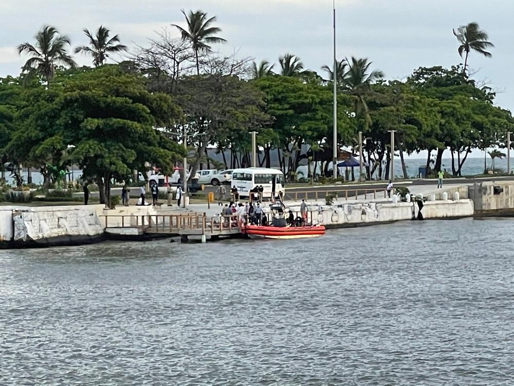 Coast Guard repatriates 13 of 14 migrants to the Dominican Republic