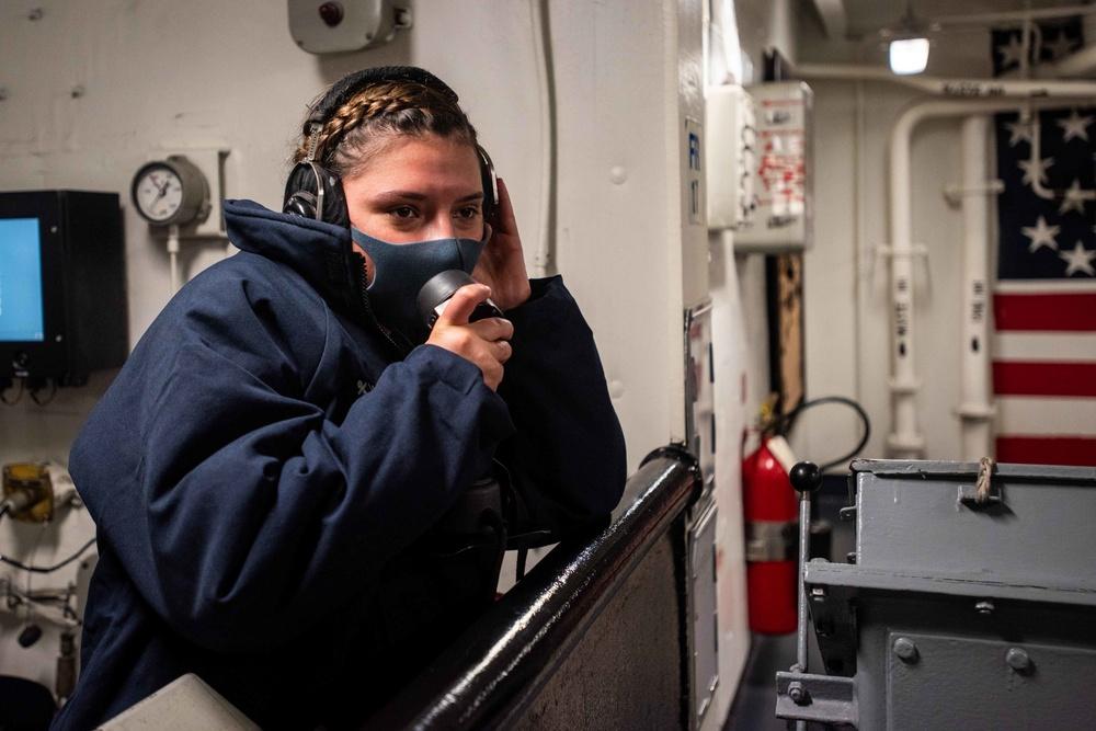 USS Ronald Reagan (CVN 76) Forecastle Line Handling