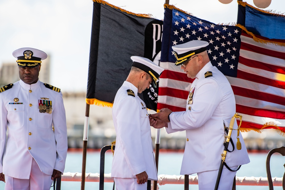 USS Columbia Conducts Change of Command