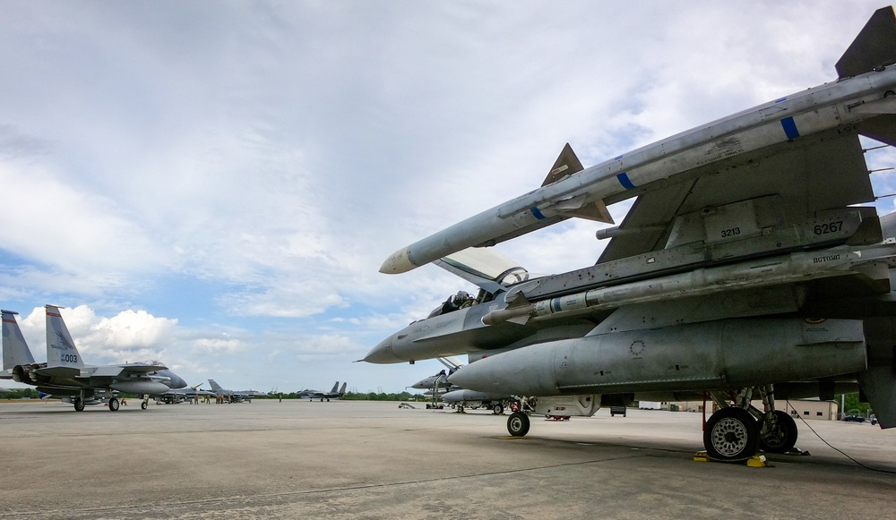 301st Fighter Wing, 140th Wing Provide F-16 Airpower at Sentry Savannah