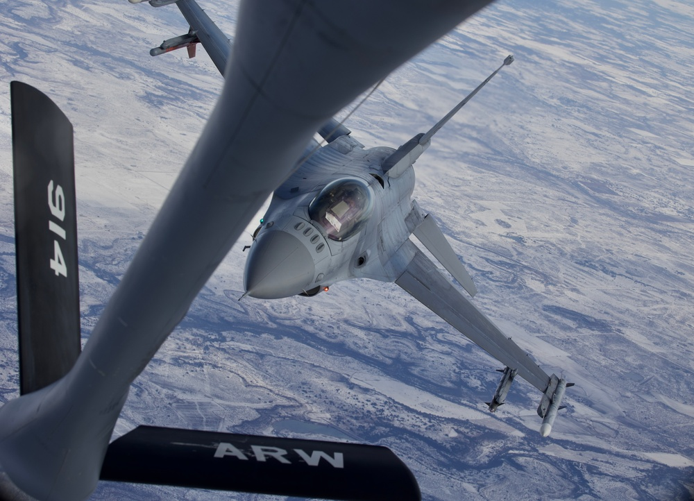 301st Fighter Wing, 914th Air Refueling Wing Conduct Reserve Training Operations