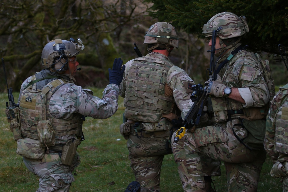 British, US Soldiers look to the future, forgive the past