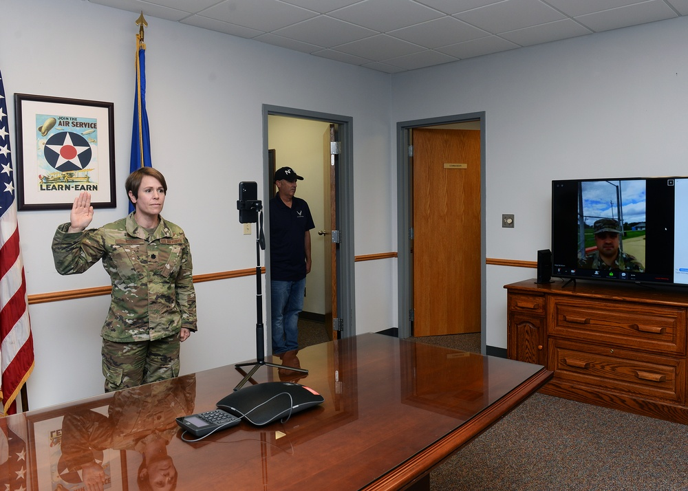343d Recruiting Squadron zoom to adapt to the challenge