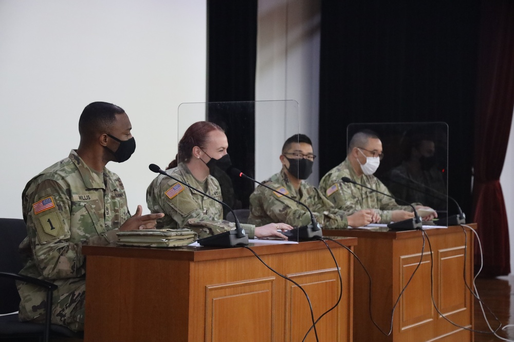19th ESC Soldiers talk leadership with Korean Army cadets