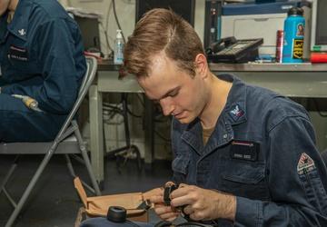 USS Ronald Reagan (CVN 76) Communication Maintenance