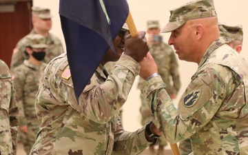 63rd Readiness Division's HHD changes command [Image 2 of 7]
