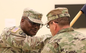 63rd Readiness Division's HHD changes command [Image 3 of 7]