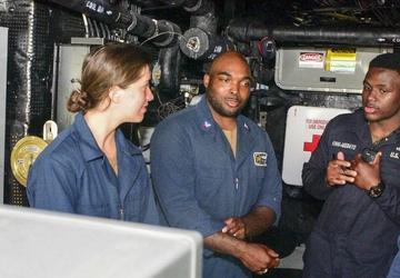 USS John P. Murtha (LPD 26) Midshipmen Training