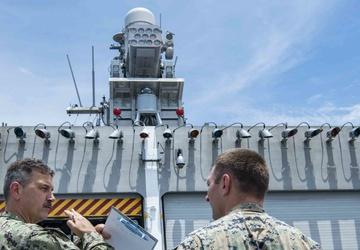 USS Tulsa (LCS 16) hosts U.S. Marine Corps Visits