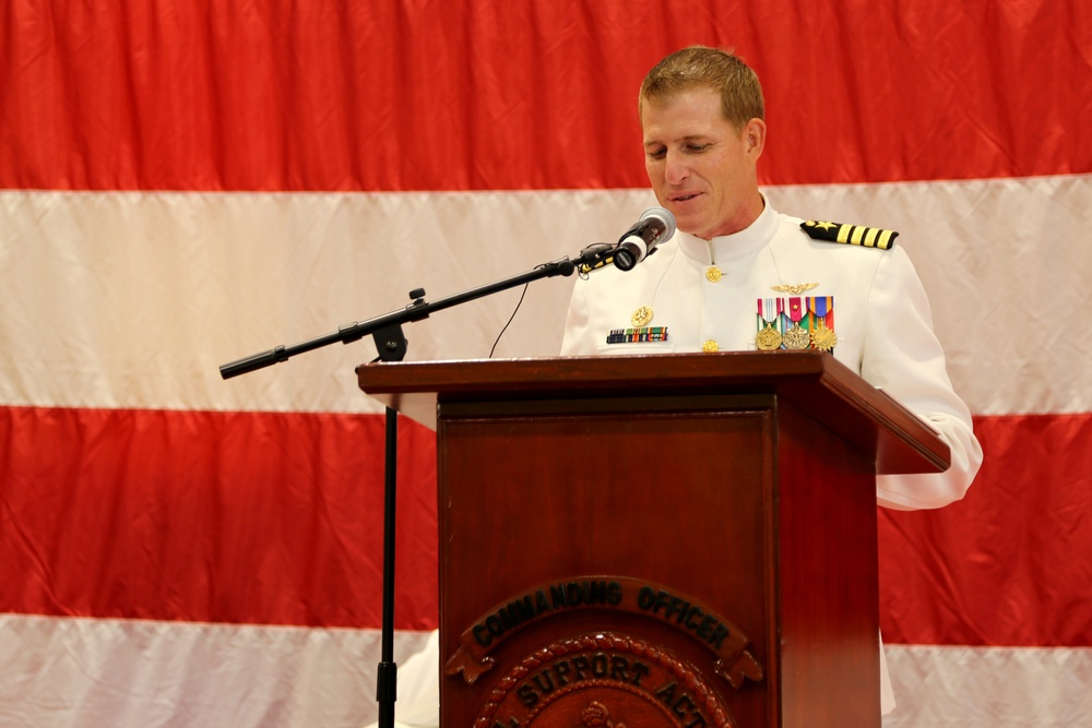 NSA Bahrain Holds Change of Command