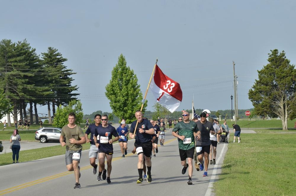 Community runs to honor fallen