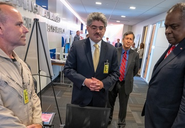 SECDEF Visits Defense Advanced Research Projects Agency