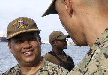 CSG7 Commander visits USS Asheville (SSN 758) during Guam familiarization trip
