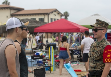 Service members, families relax at Del Mar Beach for Independence Day