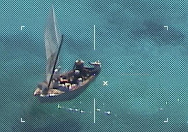 Coast Guard transfers 9 migrants to Bahamian authorities