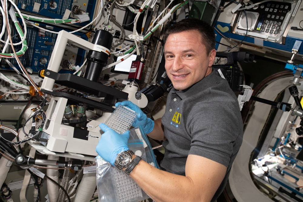 Medicine Among the Stars: Astronaut Talks About His Experiences, Medical Treatments in Space