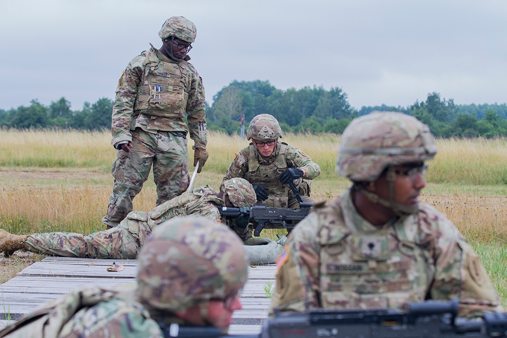 """1-1 Attack Battalion """"Gunfighters"""" qualify on crew-served weapons in Poland"""