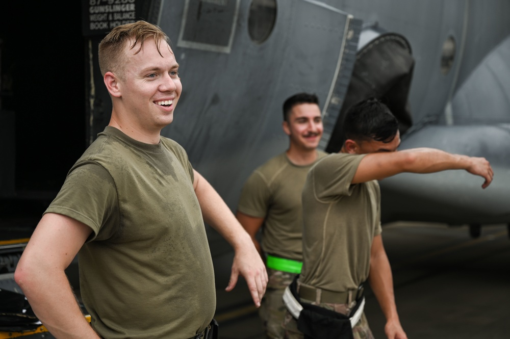 4th and 73rd AMU Participate in Load Competition